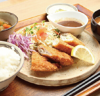 やんばる若鶏のささみチーズカツ/950円